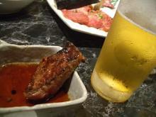 分厚い焼肉とビール