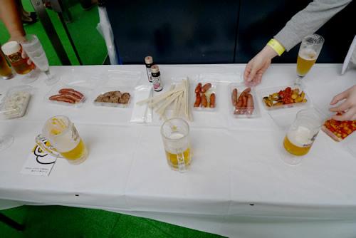生ビールブログ -とりあえず生!--ビールデンバーのテーブル?
