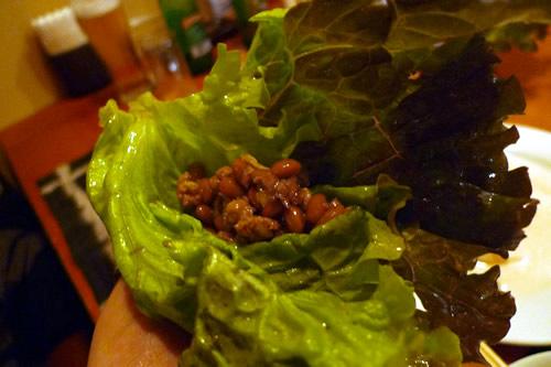 生ビールブログ -とりあえず生!--挽肉納豆炒め(レタス包み)