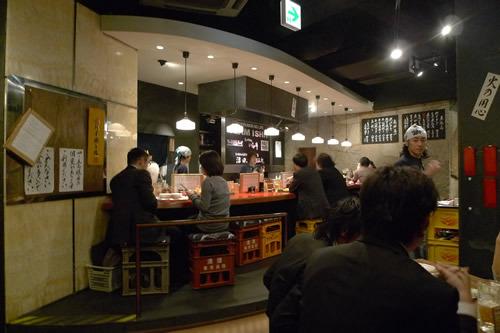 生ビールブログ -とりあえず生!--もつやき 赤坂酒場 店内