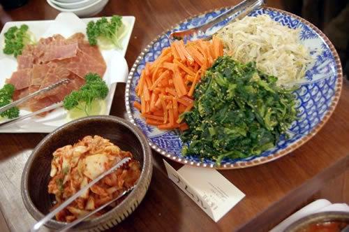 生ビールブログ -とりあえず生!--豚組ビアホールのお食事