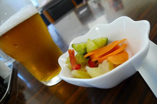 野菜のビール漬けとナツメエール