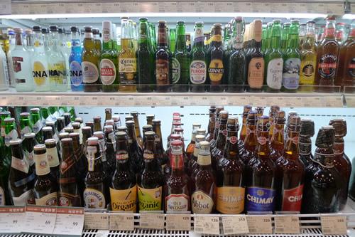 台湾スーパーのビール売り場
