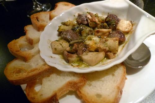砂肝とツブ貝、エリンギのガーリックバター