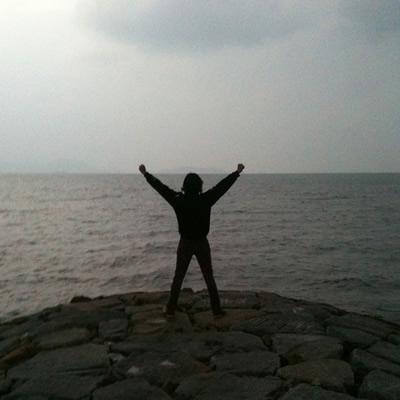 あいにくの曇り空ですが、瀬戸内海のパワーをいただいてきました!
