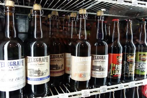 たくさんの冷蔵庫にはビールがいっぱい