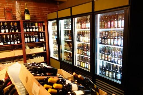 Bacchus Wine Market & Tasting Room 店内