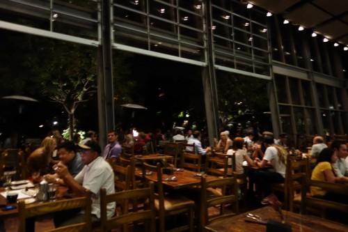 ストーン醸造所のレストラン