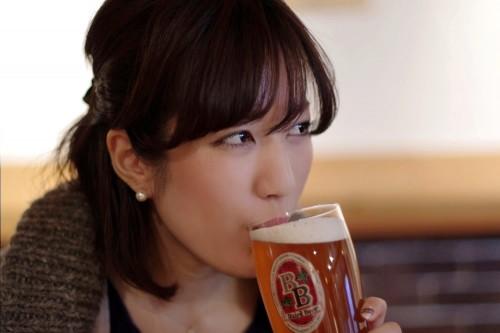 美人×麦酒 まゆさん
