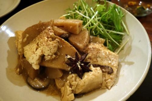 タケノコとお豆腐を八角で
