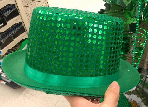 キラキラグリーンの帽子