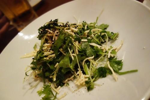 香草と押し豆腐のサラダ