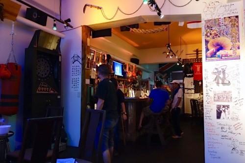 DOJO Cafe Bar 店内