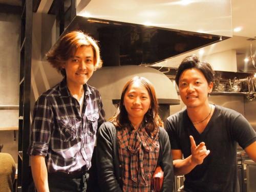 店長の大倉さん(左)と、スタッフの青山さん(右)