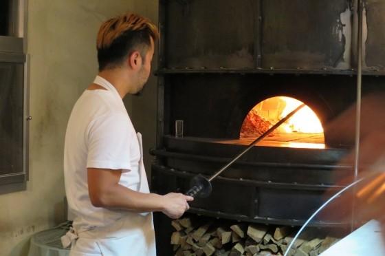 窯で焼きます。