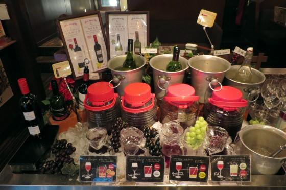 飲み放題のワインコーナー