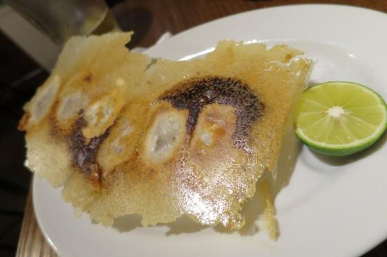 すだちとロレーヌ塩で食べるあっさり焼き餃子