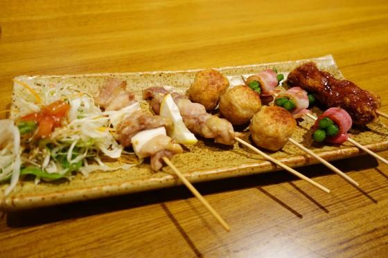 おまかせ串盛5本(850円)
