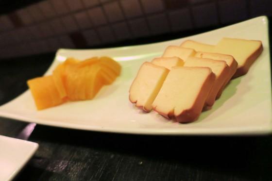 チーズと…