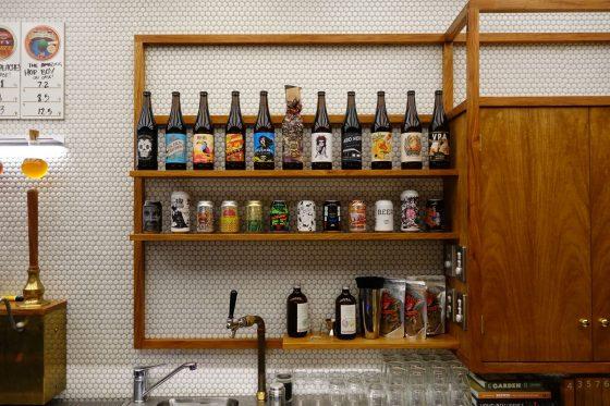棚のビール