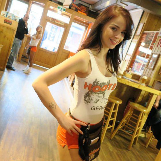 Hooters Girl