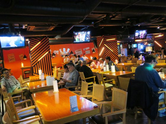 HOOTERS 論峴店 店内