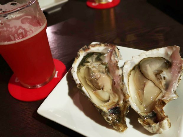 仙鳳趾産の牡蠣(500円×2)
