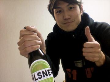 必ずや、素晴らしい論文とおいしいビールで恩返しします!