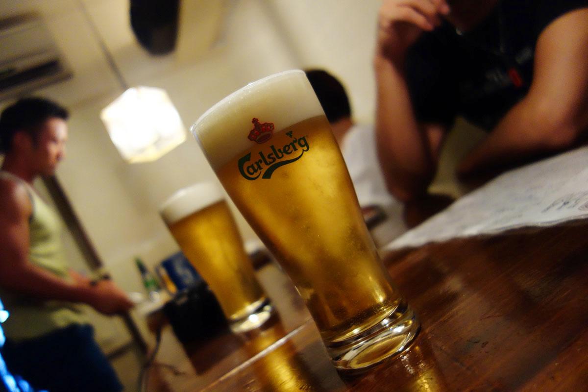 ビールはカールスバーグ!