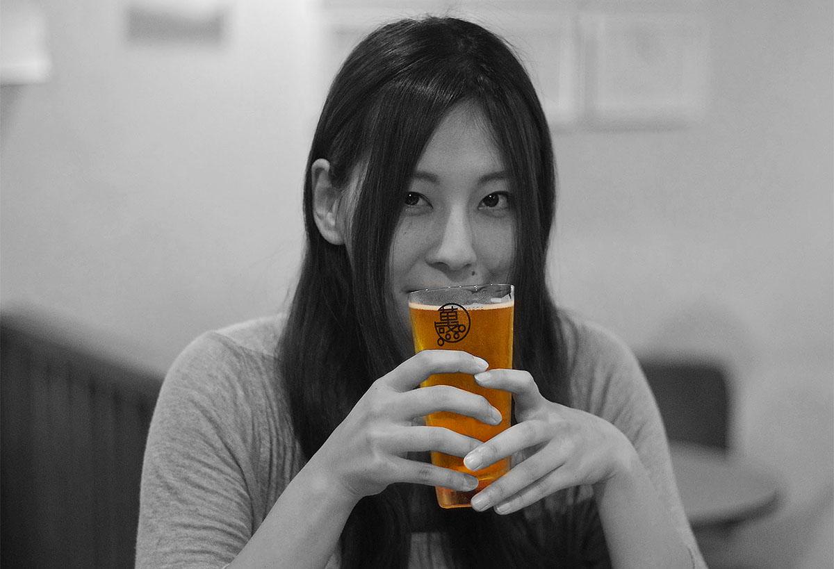 ビアカフェ萬感で美人×麦酒展