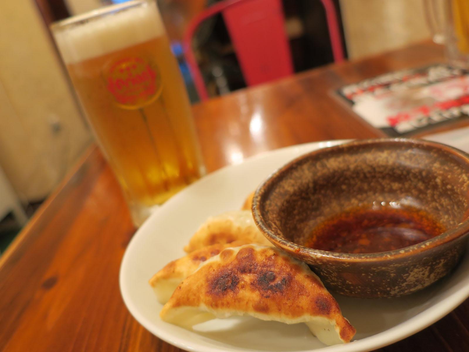 琉球湯麺831で餃ビセット