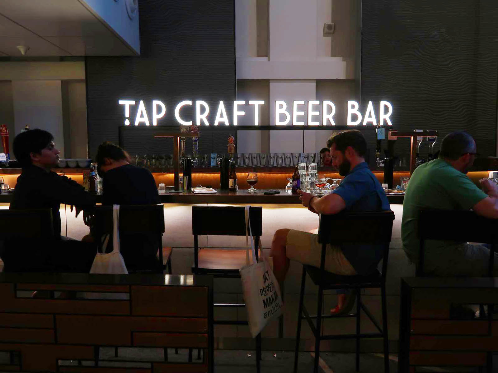 TAP CRAFT BEER BAR