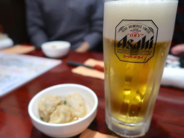 ビールはスーパードライ
