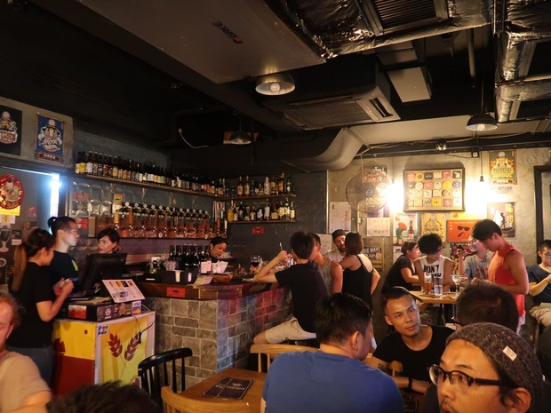 Kowloon Taproom 店内