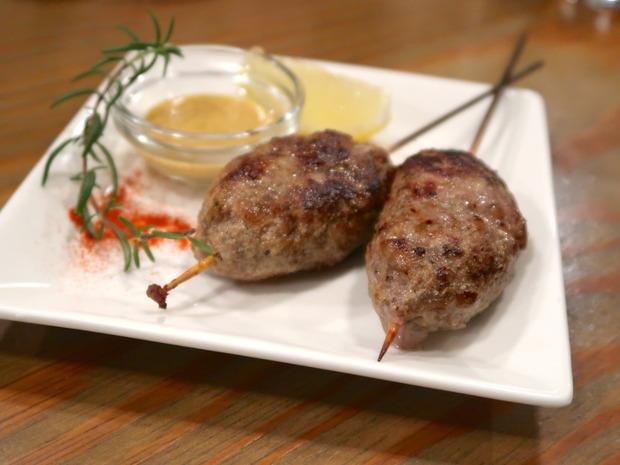 ラム肉のハンバーグ(900円)