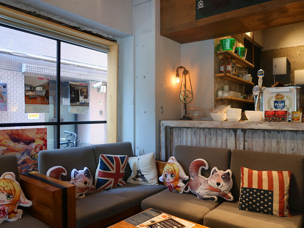The 1/3rd Café &Bar 店内