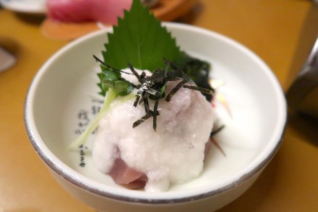 マグロ山かけ(350円)